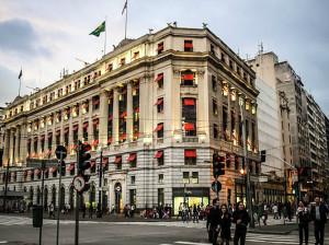 Shopping Light, centro de São Paulo é roteiro de tours a pé.